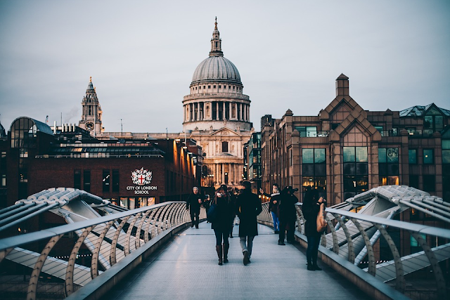 How to travel and spend time in London on a budget #travel #budgettravel #london