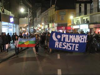 mapuches de la ciudad marchan