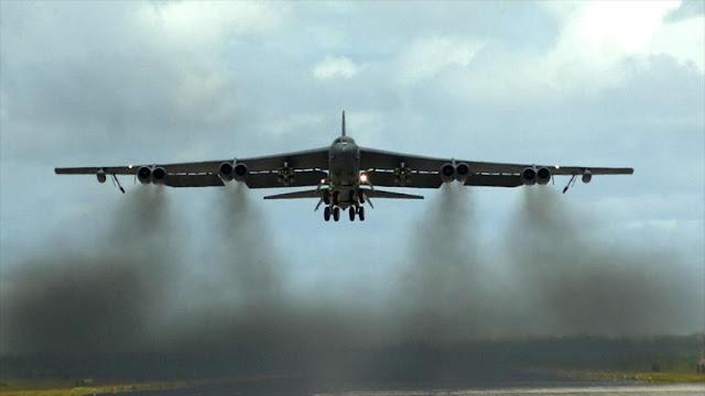 Dos bombarderos B-52 de EEUU sobrevuelan mar de China Meridional