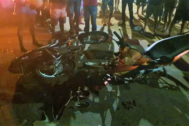 Acidente entre duas motos deixa três pessoas feridas em Livramento
