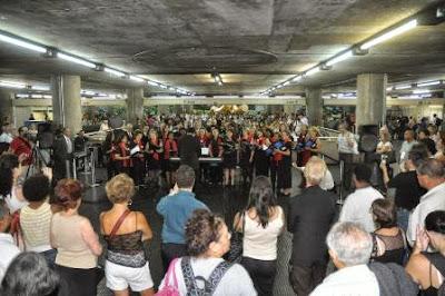 apresentação coral Metrô São Paulo