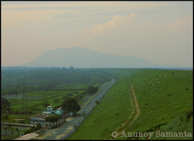 Panchet Dam en route to Garh Panchkot