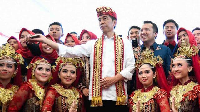 Jokowi Klaim Pekerja Asing di Indonesia Hanya 80 Ribu