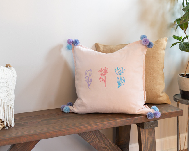 DIY Spring Pillow by Handmade Weekly featured at Pieced Pastimes