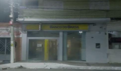 Bandidos explodiram agência bancaria no sertão