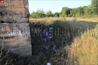 Свалка мусора у немецкого бункера в Подъязовле