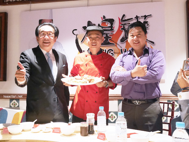 Chef Wong with Tan Sri Francis Yeoh and Joseph Yeoh posing for the cameras