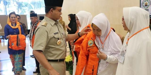Anies Lepas Keberangkatan Umrah 432 Marbot Mesjid dan Majelis Taklim
