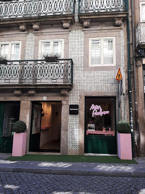 FAchada onde encontra-se a nova loja da Miss Pavlova