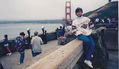 Vacation bareng keluarga ke Amerika, mejeng didepan Golden Bridge, San Fransisco, USA