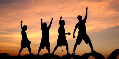 5 Hal yang Wajib Kamu Lakukan di Masa Muda