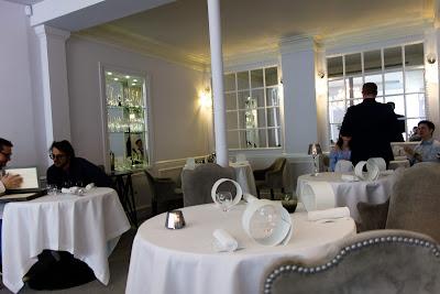 Intérieur du restaurant Kei Paris 01, blog Délices à Paris.