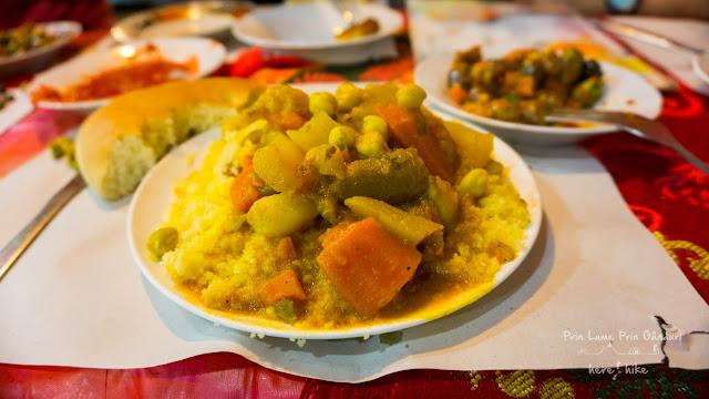 morocco-marakkesh-chefchaouen-bazaar-couscous
