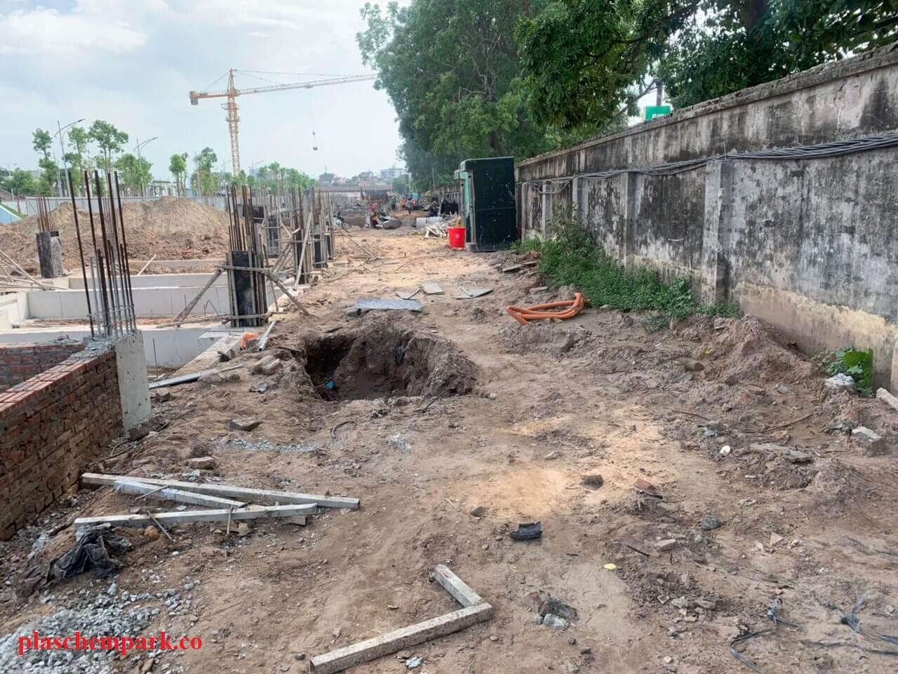 Tường bao ngoài của dự án sau này sẽ được dỡ bỏ.