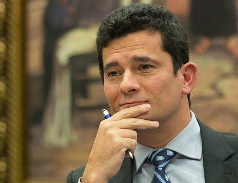 Moro diz estar honrado com convite de Bolsonaro e promete pensar