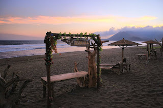 destinasi wisata pantai asmara Ambulu Jember