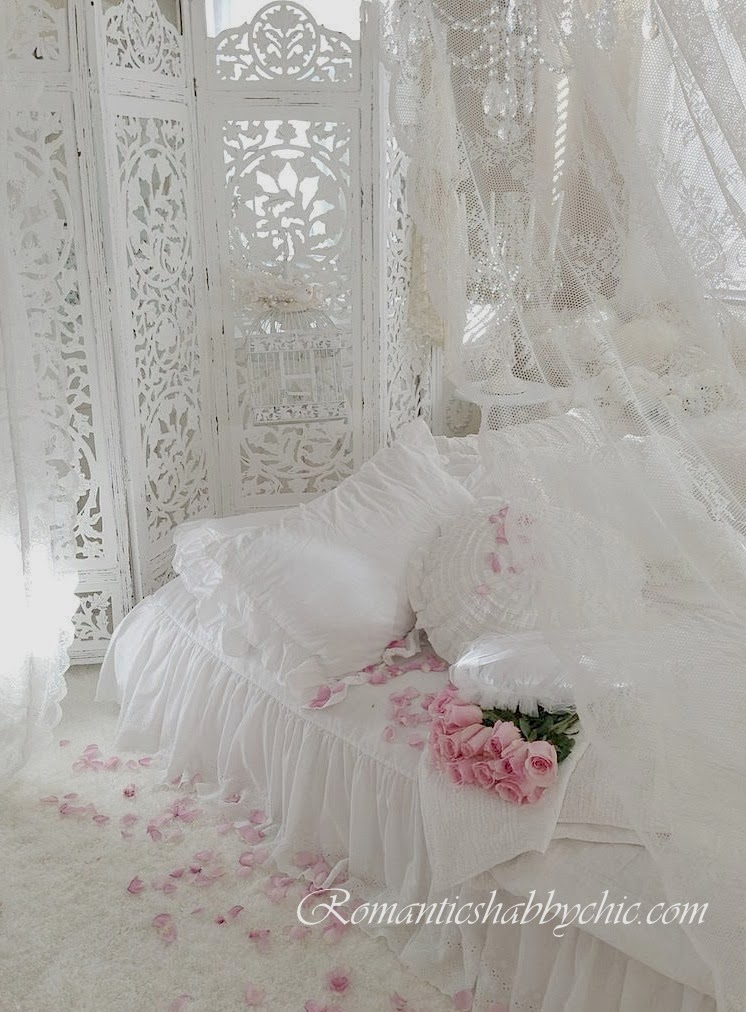Romantic shabby chic home - What is shabby chic ...