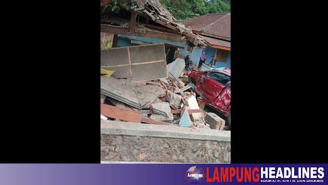 Sempat Saling Kejar, Tiga Mobil & Satu Motor Terlibat Kecelakaan di Jalan Ganjaran