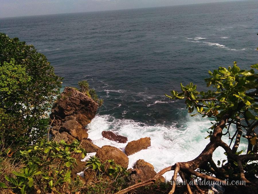 Pemandangan dari Bukit antara Patai Tambakrejo dan Pasetran Gondo Mayit