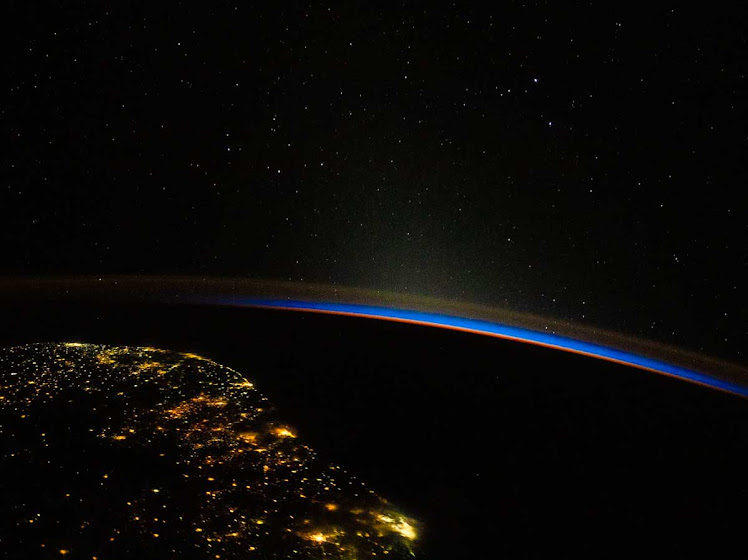 ISS registra nascer do sol orbital acima da costa do sudeste do Brasil