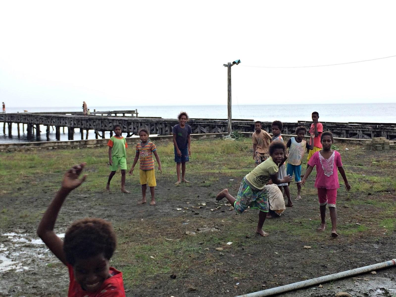 Hari Kumpul Buku Project Perpustakaan Book for Mountain Kampung Bamana Distrik Etna Kabupaten Kaimana Papua Barat