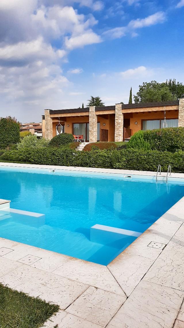 appartamenti con piscina lago di garda