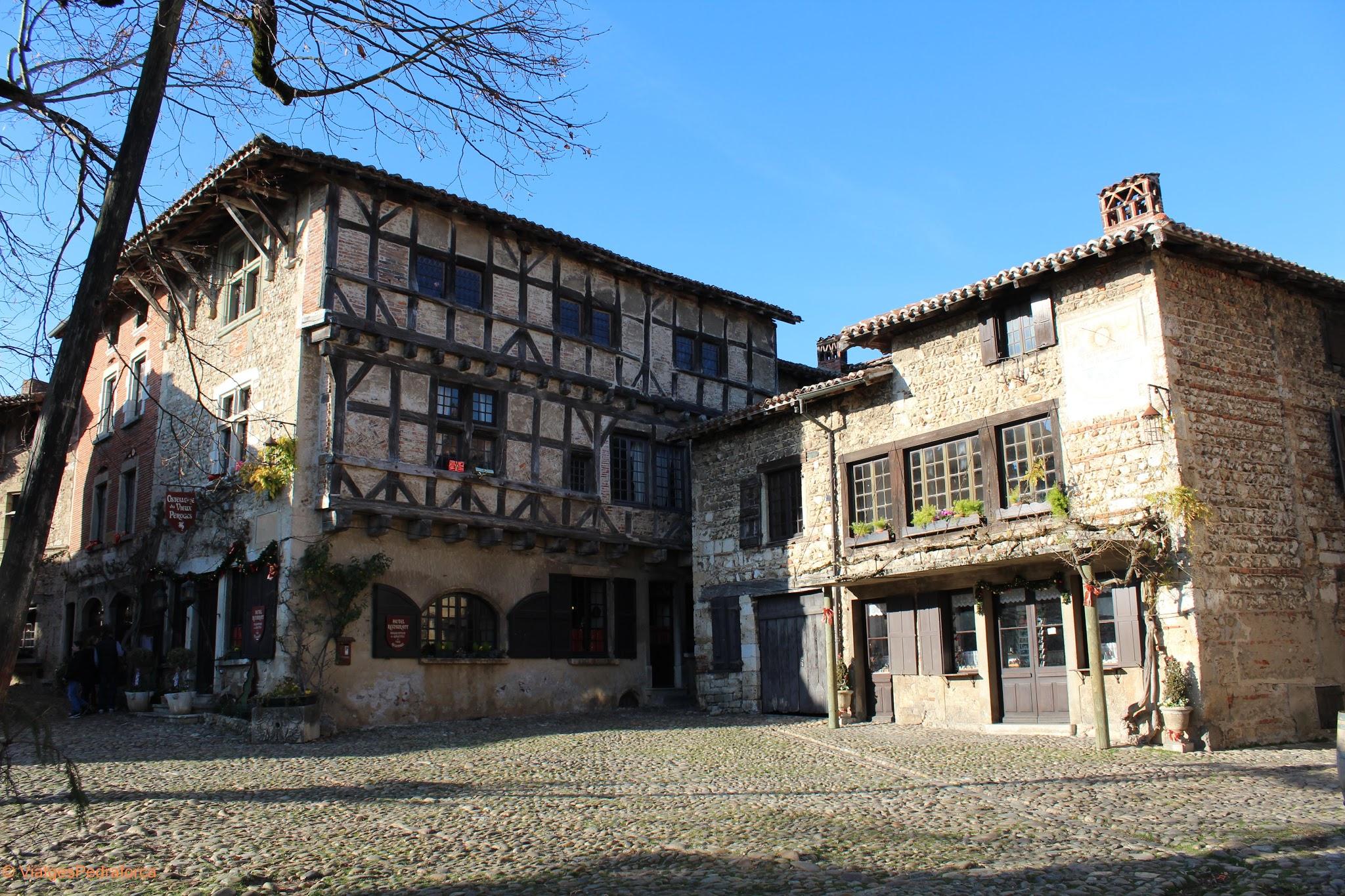 Citè medievale de Pèrouges, Place du Tilleul, Ain, Rhône-Alpes, França
