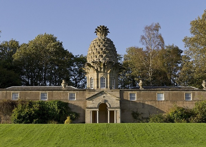 The Dunmore Pineapple (Scotland)