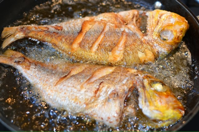 Ndudu by fafa how to fry the perfect fish for Best oil for frying fish