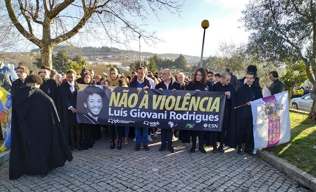 Cabo Verde   Fogo: Funeral de Giovani reúne centenas de pessoas nos Mosteiros