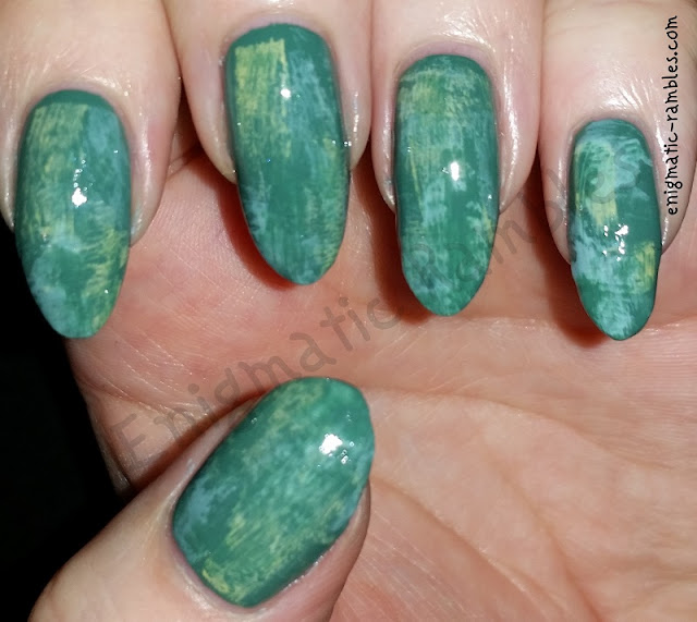 green-dry-brush-nails-nail-art