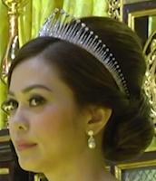 diamond fringe tiara selangor malaysia tengku ampuan queen rahimah permaisuri norashikin