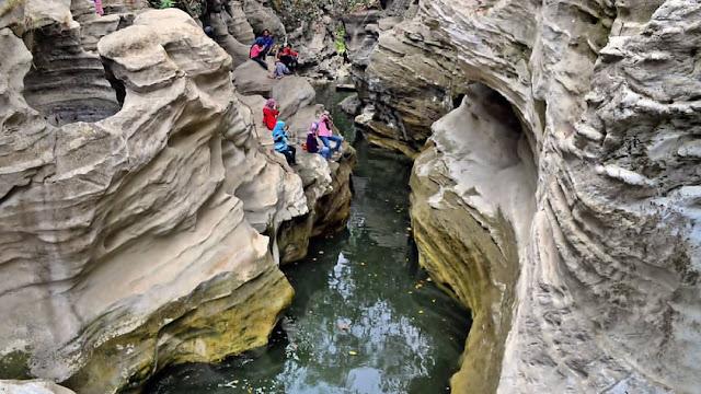 Objek Wisata Kedung Cinet Plandaan Jombang