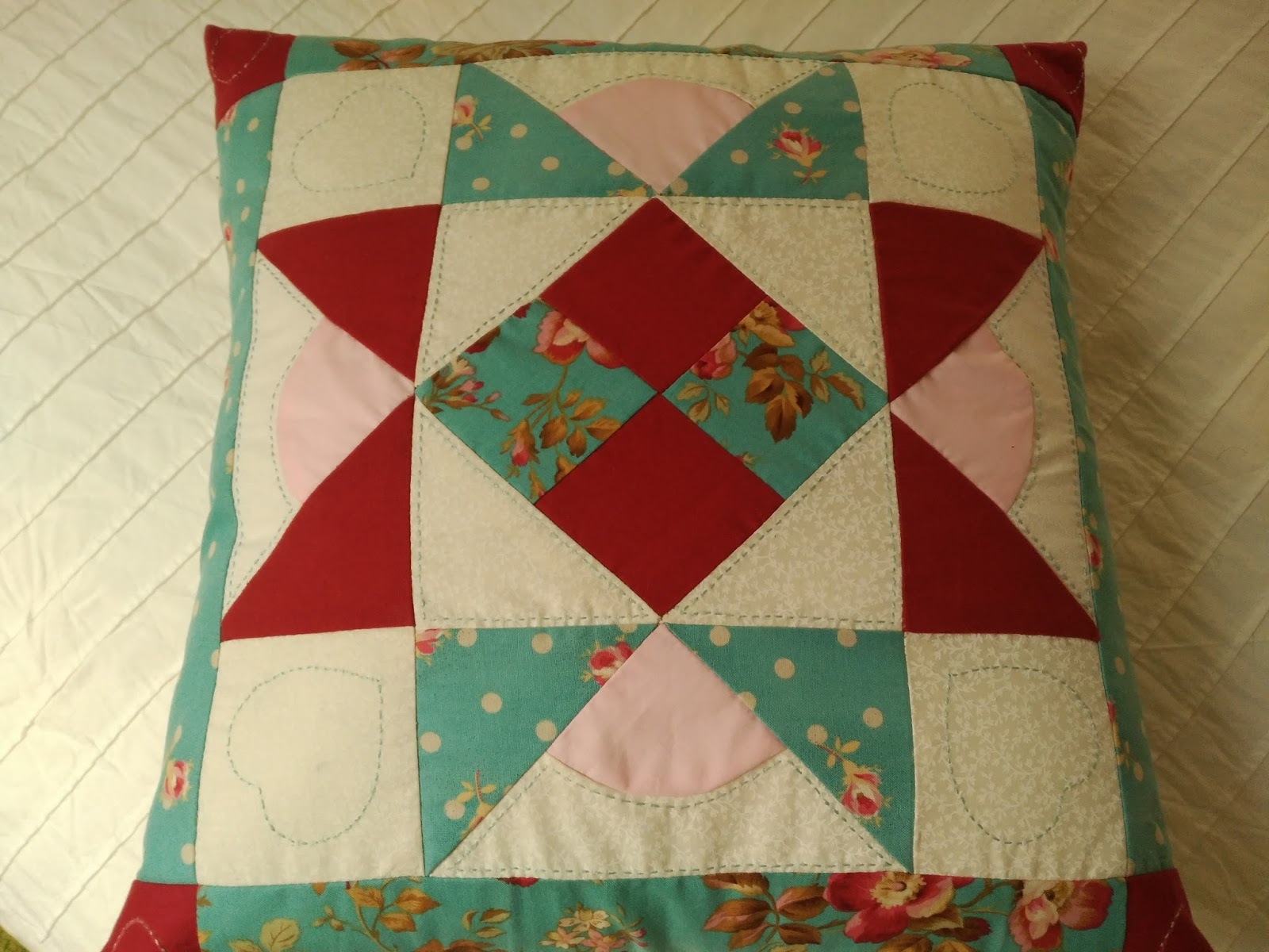 La caja en blanco cojines patchwork - Cojines de patchwork ...