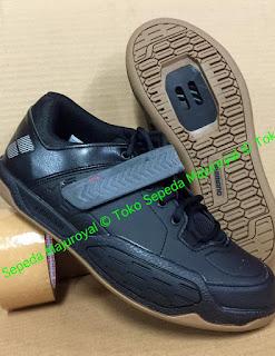 Sepatu Sepeda Shimano AM5