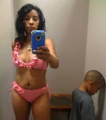 Mães que tiram selfies sensuais na frente dos filhos (Imagem: Reprodução)
