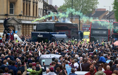 man united team bus attacked by west ham