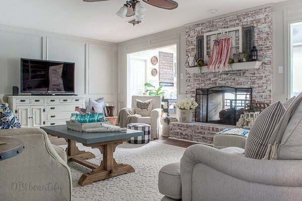 farmhouse patriotic living room