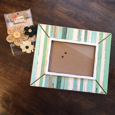 Easy DIY Accent Picture Frame