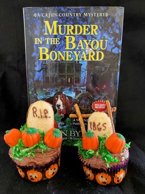 Ellen Halloween Giveaway 2020 Mystery Lovers' Kitchen: Haunting Halloween Cupcakes by guest