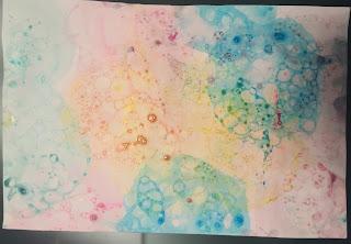 Dessin réalisé avec la technique de la peinture à bulles