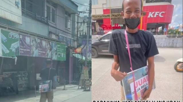 Penuh Haru! Penjual Meja Belajar Keliling Nangis Dagangannya Ditawar Rp 200 Ribu