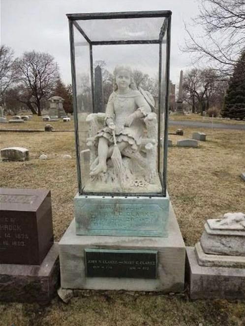 1115 foto [FOTO] Kuburan Paling Aneh dan Unik