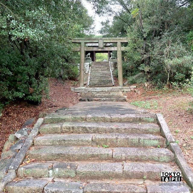 【八幡神社】本島小山丘上 神秘安靜古老小神社