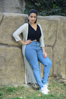 Anchor Manjusha Sizzling Stills HeyAndhra.com