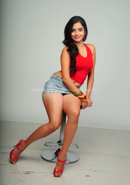 Sheena shahabadi hot images