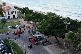 Morre jovem atacado por tubarão em praia do Recife