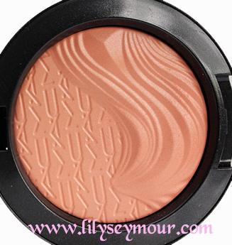 Mac Blazing Haute Extra Dimension Blush