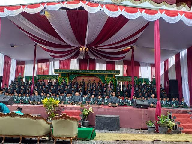 Contoh Panggung Besar Acara Wisuda Santri / Pengajian / Sholawatan di Pondok Pesantren dan Madrasah