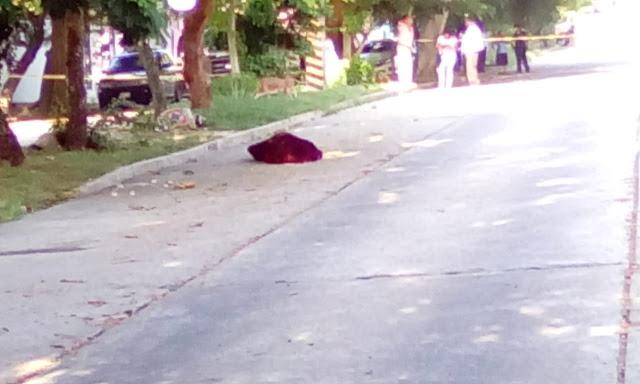 Localizan cuerpo encobijado en el centro de Coatza
